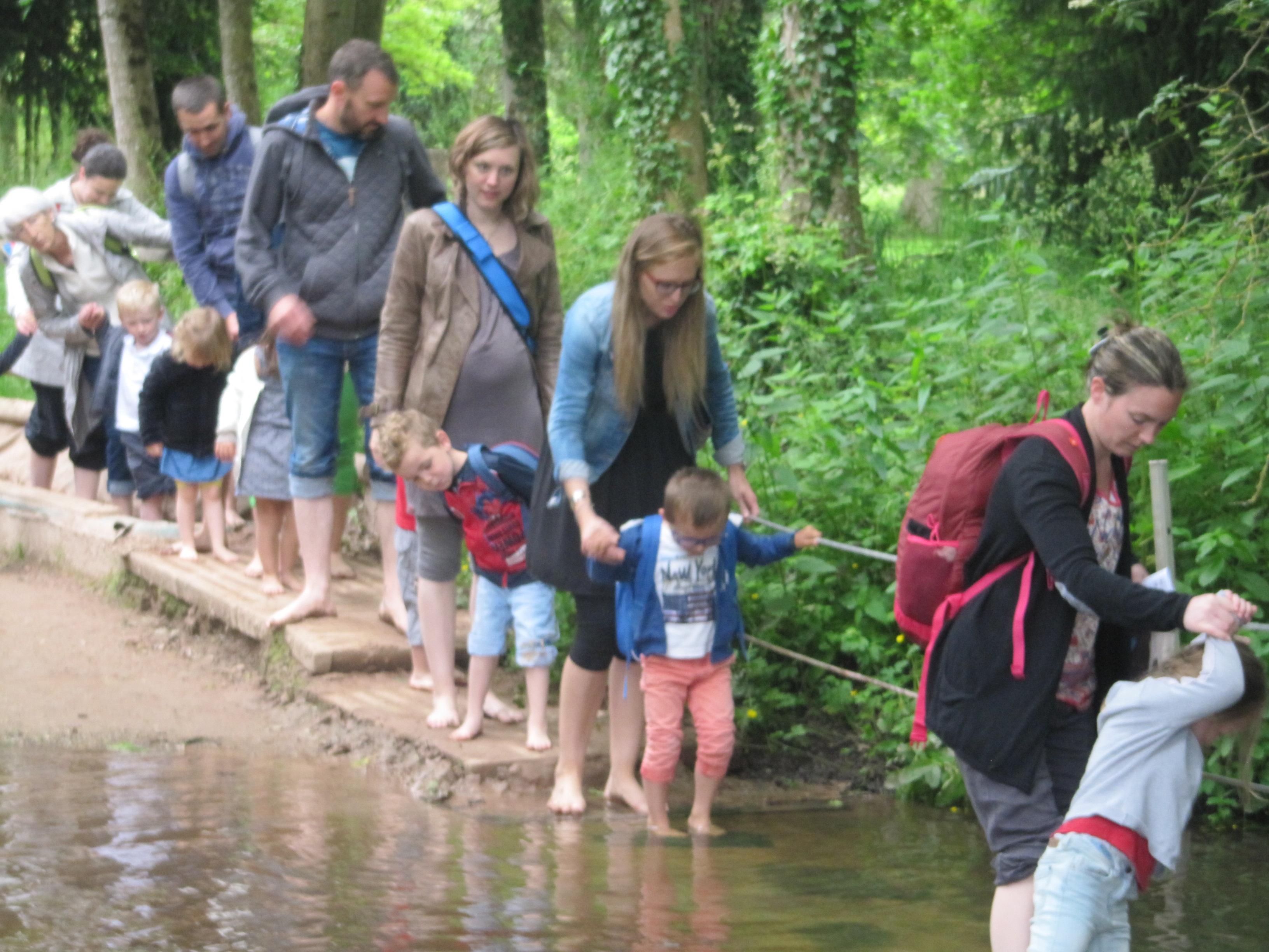 Promenade scolaire aux Jardins de Brocéliande pour les maternelle